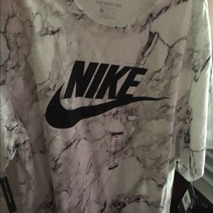 Men's Nike and champion shirts